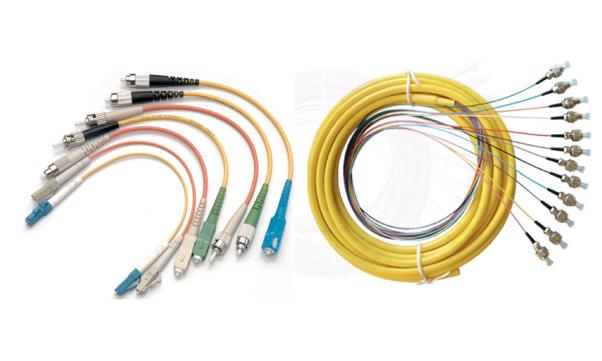 Cách nối dây cáp quang vào modem